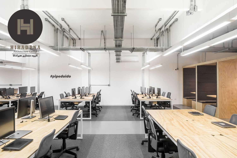 طراحی دکوراسیون اداری با چوب و رنگ خاکستری